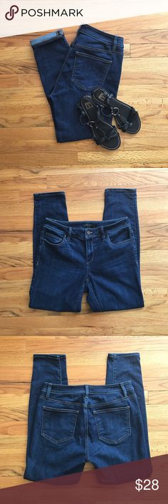 """ANN TAYLOR Skinny Ankle jeans Super cute pair of ANN TAYLOR Skinny Ankle jeans in excellent used condition! Flattering ankle fit with the perfect amount of stretch. Measurements while laying flat: 27.5"""" inseam, 9"""" rise, 14.5"""" across waist. Perfect ankle jeans! Ann Taylor Jeans Ankle & Cropped"""