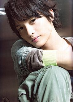 玉森裕太  Yūta Tamamori (Kis-My-Ft2).