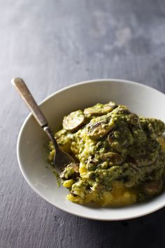 Creamy Poblano Mushrooms with Polenta is a simple vegetarian dish with tons of flavor! 300 calories, 30 minutes.