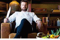 «Vem aí o furacão.» É esta a frase que se ouve na cozinha do Six Senses Douro Valley, o luxuoso hotel em Lamego onde Ljubomir Stanisic, 38 anos, presta consultoria gastronómica há ano e meio. Uma semana por mês, sai de Lisboa (onde dirige os tachos [...]