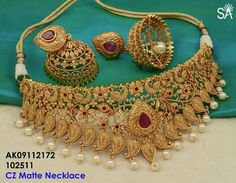 Fulfill a Wedding Tradition with Estate Bridal Jewelry Gold Bangles Design, Gold Jewellery Design, Gold Jewelry, Designer Jewellery, India Jewelry, Trendy Jewelry, Indian Wedding Jewelry, Bridal Jewelry, Indian Bridal