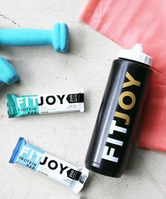 New year inspo tip: match your FitJoy bar flavors with your dumbbells #NewYearNewJoy #MintChocolateCrisp #FrenchVanillaAlmond #shoes #proteinbar