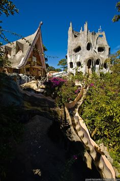Went to the Crazy House (Dalat / Vietnam ) last few years. I miss travelling still! :(