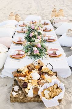 beach picnic ideas \ beach picnic ` beach picnic ideas ` beach picnic food ` beach picnic ideas romantic ` beach picnic aesthetic ` beach picnic friends ` beach picnic date ` beach picnic party Beach Dinner Parties, Picnic Dinner, Picnic Date, Summer Picnic, Picnic Parties, Picnic On The Beach, Beach Picnic Foods, Picnic Party Decorations, Outdoor Parties