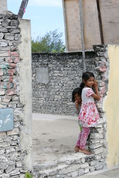 2 local little girls #maldives #kids #children