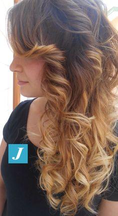 Delicato effetto #shatush firmato Degradé Joelle e Piega Glamour. #cdj #degradejoelle #tagliopuntearia #degradé #igers #naturalshades #hair #hairstyle #haircolour #haircut #longhair #style #hairfashion