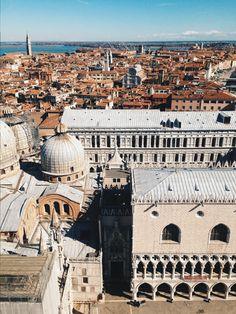 Venice / photo by Samee Lapham