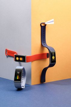 Amazfit Cor is a heart rate, activity and sleep tracker combining high durability with a sleek design. Light Photography, Industrial Design, Projects, Product Design, Set Design, Thesis, Booklet, Gadget, Bands