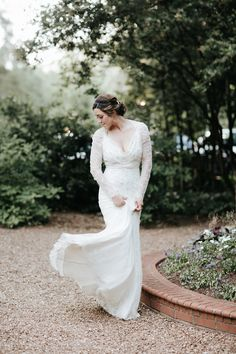 This bride's second dress has the most romantic vintage touches | Image by All Bliss Photography