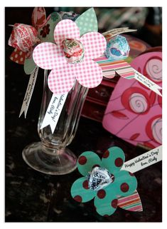 Nice Idea for kids party, paper cut flower with lollipop as bud