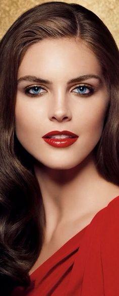 !!! Perfect red lip !!! Hillary Rhoda