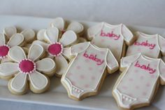 Great Ideas for Baby Shower Baking (for boy maybe sub the flowers for blue footballs?) (: