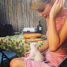 Taylor Swift Gets a New Adorable Kitten: Picture - Us Weekly