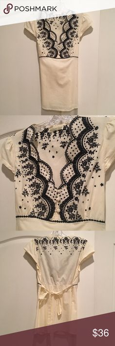 Sugarlips Embroidered Blouse Stunning embroidered Top with a tie in the back. Sugarlips Tops Blouses