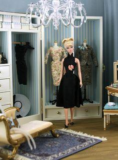 https://flic.kr/p/8R7YYu | City Smart in black Bogue's Vogues halter 1 | City Smart Silkstone barbie in black silk and organza halter cocktail dress by Bogue's Vogues.  www.etsy.com/shop/boguesvogues