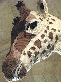 Crochet giraffe - what beautiful work. Art Au Crochet, Knit Art, Freeform Crochet, Love Crochet, Beautiful Crochet, Crochet Dolls, Knit Crochet, Yarn Bombing, Giraffe Crochet