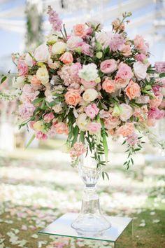 Statement flowers: http://www.stylemepretty.com/little-black-book-blog/2015/04/23/romantic-thailand-destination-wedding/ | Photography: Sandra Aberg - http://www.sandraaberg.com/