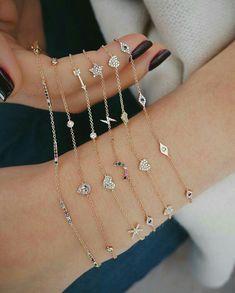 Our 5 mini diamond heart chain bracelet features carats of pave diamonds set in gold. Dainty Bracelets, Dainty Jewelry, Simple Jewelry, Pandora Jewelry, Cute Jewelry, Jewelry Accessories, Charm Bracelets, Bracelet Designs, Necklace Designs