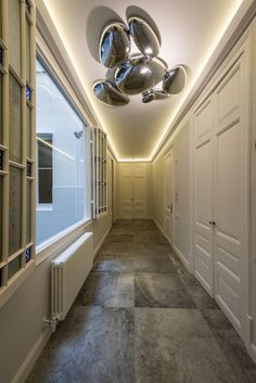 The client's intention was to transform a classic home in Barcelona's Eixample into a modern and contemporary family apartment. Family Apartment, Classic House, Interiores Design, Contemporary, Modern, Tile Floor, Villa, Bathtub, Home Appliances