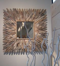 driftwood starburst mirror. I'm going to try to make this happen for our bathroom remodel. Driftwood Frame, Driftwood Sculpture, Starburst Mirror, Diy Mirror, Unique Bathroom Mirrors, Mirror Pic, Driftwood Furniture, Driftwood Projects, Diy Furniture