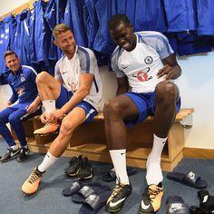 "Polubienia: 103.2 tys., komentarze: 194 – Chelsea FC!  (@chelseafc) na Instagramie: ""Team spirit!  #CFC #Chelsea @garyjcahill @kurtzouma @nikefootball"""