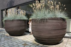 giant pots by atelier vierkant