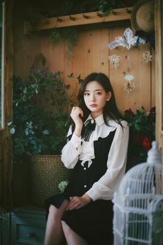 milkcocoa Ulzzang Girl, Korean Beauty, Cute Girls, Korean Fashion, Designer Dresses, Fashion Beauty, Kawaii, Suits, Model