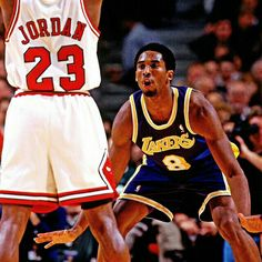 Old star vs rookie. One of many exciting things about the NBA Kobe Bryant and Michael Jordan Kobe Bryant Michael Jordan, Michael Jordan Basketball, Love And Basketball, Bryant Basketball, United Center, Shaquille O'neal, Rick Ross, Los Angeles Lakers, Nba Players