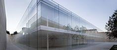 Edifício+de+Oficinas+e+sua+fantástica+estrutura+em+vidro