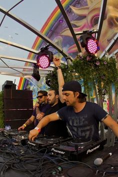 Two things I want the most,  Tomorrowland and be on a swedish house mafia concert ❤
