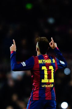 Neymar Photos - Neymar of FC Barcelona celebrates after scoring his team's first goal during the La Liga match between FC Barcelona and Villarreal CF at Camp Nou on February 2015 in Barcelona, Spain. - FC Barcelona v Villarreal CF - La Liga Neymar Jr, Neymar Football, Neymar Barcelona, Barcelona Spain, Good Soccer Players, Best Football Players, Nike Inspiration, Villarreal Cf, Nike Motivation