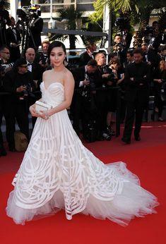 More Pics of Fan Bingbing Evening Dress (30 of 32) - Fan Bingbing Lookbook - StyleBistro