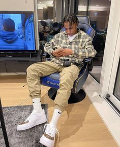 Dope Outfits For Guys, Swag Outfits Men, Summer Outfits Men, Stylish Mens Outfits, Mode Outfits, Street Style Outfits Men, Black Men Street Fashion, Men Looks, Estilo Cholo
