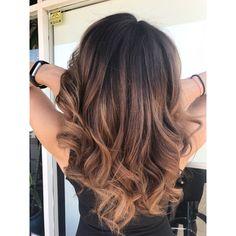 Caramel balayage on dark hair, light brown ombré