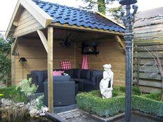 Gezellige overkapping, veranda voor een kleine tuin! Op maat gemaakt! Heerlijk van het buitenleven genieten onder een overkapping van Handelsonderneming van Viegen www.vanviegen.com