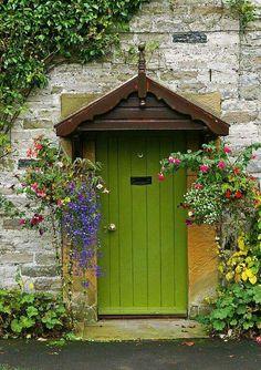 just a bunch of beautiful things ! Cool Doors, Unique Doors, Door Knockers, Door Knobs, Jardin Luxuriant, Grand Entrance, Painted Doors, Garden Gates, Doorway