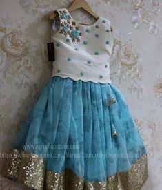 Kids Party Wear Dresses, Kids Dress Wear, Kids Gown, Dresses Kids Girl, Girl Outfits, Girls Frock Design, Kids Frocks Design, Baby Frocks Designs, Baby Dress Design