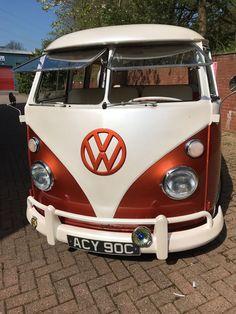 Volkswagen Transporter, Volkswagen Bus, Vw T1, Vw Camper, Vw Kombi Van, Old School Vans, 1960s Cars, Combi Vw, Busse