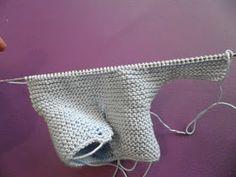 ARTES-ANAS: SANDALIA-ZAPATO DE VERANO BEBÉ A DOS AGUJAS Knitted Baby Boots, Baby Booties Knitting Pattern, Knitted Booties, Knitting Patterns, Crochet Patterns, Free Knitting, Baby Knitting, Crochet Baby, Crochet Bikini