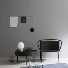 My Spot is a brilliant hanging system that allows you hang your inspirations, postcards or important messages and schedules in a very stylish way. Designed by Jan & Henry.