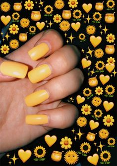 Vsco - jennakrebs ♡ it was all yellow ♡ nails, emoji picture Emoji Wallpaper, Aesthetic Iphone Wallpaper, Emoji Tumblr, Cute Nails, Pretty Nails, Aesthetic Pictures, Aesthetic Colors, Simple Aesthetic, Colorful Nails