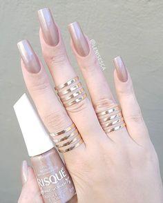 Inspiração para o Réveillon!!! Esmalt Stylish Nails, Trendy Nails, Cute Nails, Perfect Nails, Gorgeous Nails, Manicure And Pedicure, Gel Nails, Maybelline Nail Polish, Nail Paint Shades