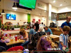 Compartiendo momentos en Lo de Carlitos Miami Beach