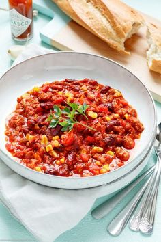 Quick chili con carne – ideal for families – Dinner Recipes Pizza Soup, Healthy Snacks, Healthy Recipes, Carne Picada, Quick Easy Meals, Pesto, Dinner Recipes, Food And Drink, Stuffed Peppers