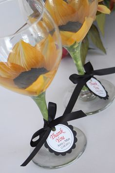 Sunflower wedding goblets for the wedding party - or great idea for bridesmaid gifts Wedding Reception Favors, Unique Wedding Favors, Trendy Wedding, Unique Weddings, Diy Wedding, Rustic Wedding, Wedding Flowers, Dream Wedding, Wedding Day