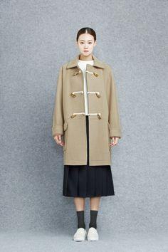 Coat 91054-11927  399.000 / Skirt 91054-32925  259.000 / T-shirt 91053-22844  119.000 / Shoes 91054-71821  199.000