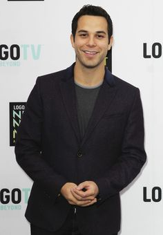 Skylar Astin is known for playing Georg in the Tony Award–winning stage musical Spring Awakening.He starred in the 2013 comedy film 21 and Over as Casey. Gorgeous Men, Beautiful People, Skylar Astin, Eric Dane, James Maslow, Hottest Male Celebrities, Comedy Films, Pitch Perfect, Zac Efron