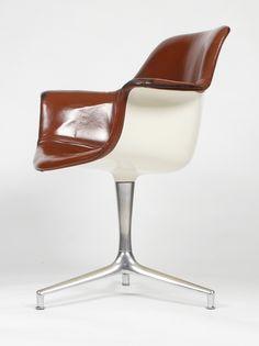 Preben Fabricius and Jørgen Kastholm;  #FK-810 Fiberglass, Leather and Chromed Cast Iron Swivel Chair for Kill International, 1964.