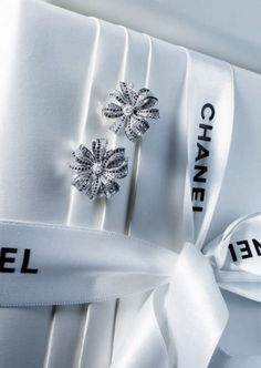 Gorgeous Chanel Presentation in classical white