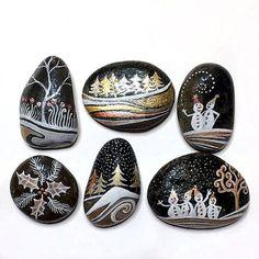 50 DIY Christmas Rock Painting Ideas - Ideen - Painting Tips Blue Christmas Decor, Christmas Rock, Christmas Crafts, Christmas Ideas, Pebble Painting, Pebble Art, Stone Painting, Stone Crafts, Rock Crafts